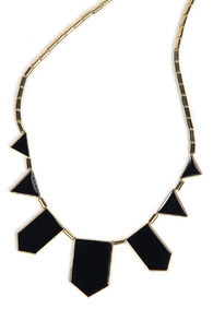 www.shein.com/Black-Collar-Geometry-Irregular-Pendant-Necklace-p-109139-cat-1755.html?aff_id=2687