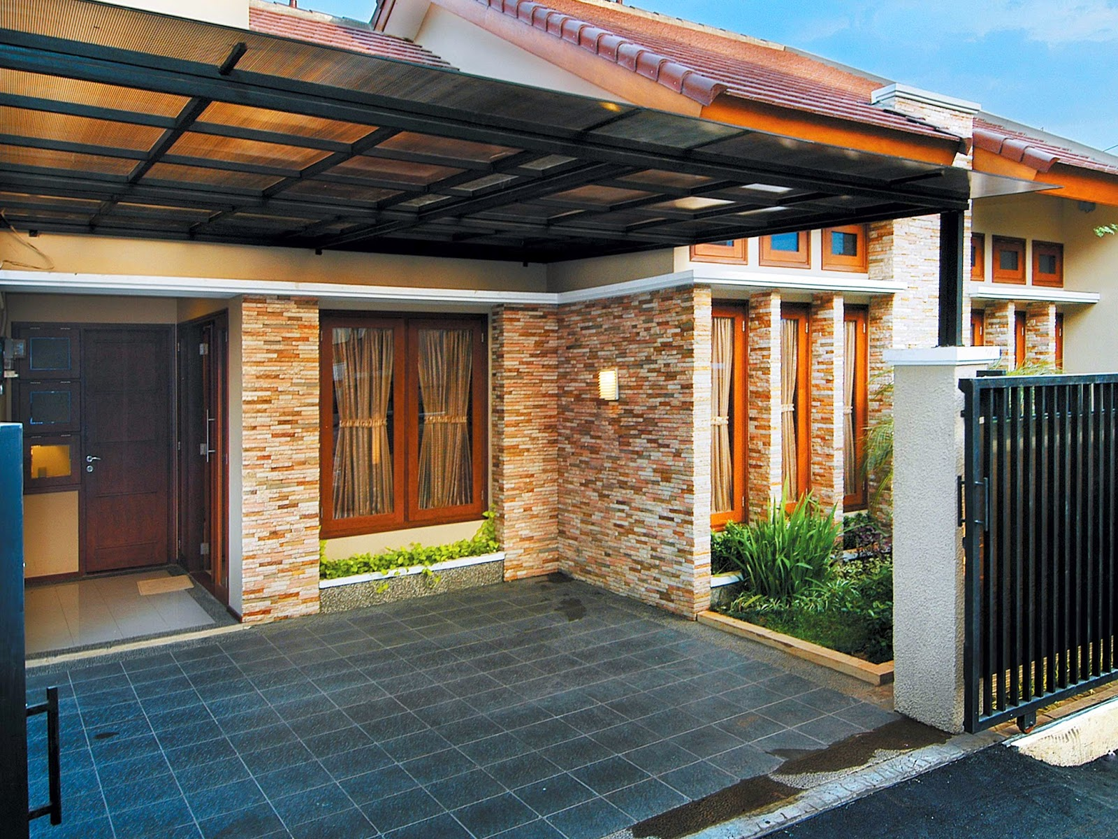 contoh kombinasi batu alam dengan rumah minimalis