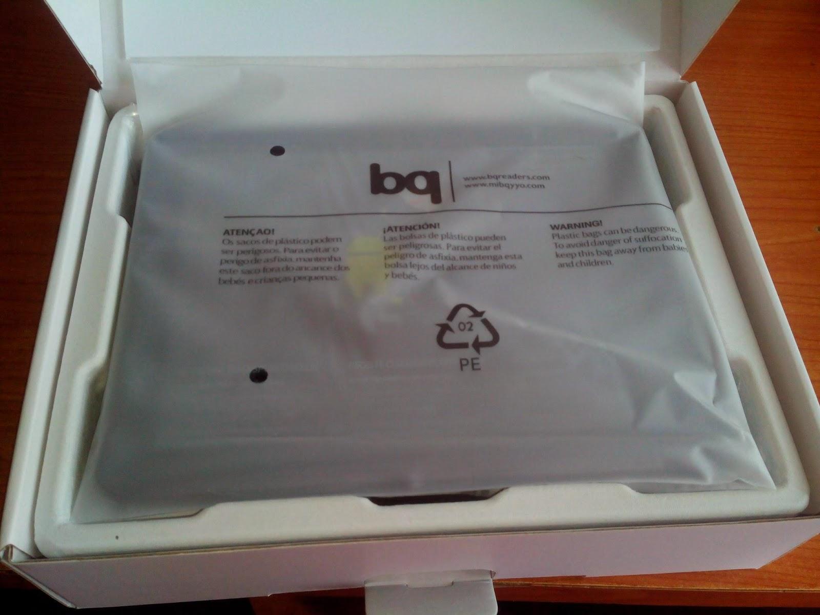 Tablet BQ Curie 2 quadcore interior caja con tablet