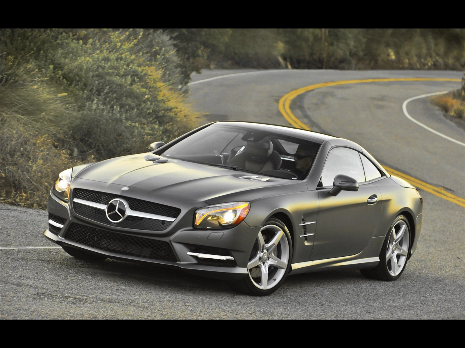 Cool car wallpapers mercedes benz cars 2013 for Mercedes benz cars images