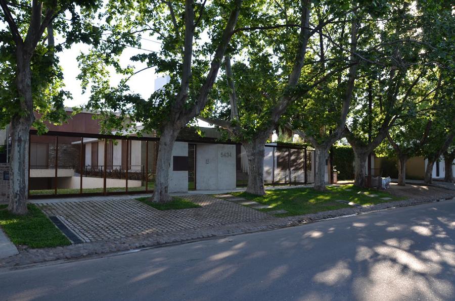 mẫu-biệt-thự-đẹp-2-tầng-ở-Argentina-05
