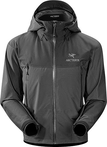 Jaket gunung warna hitam