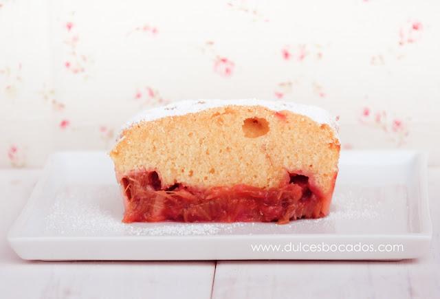 Cake de ruibarbo