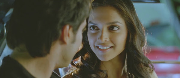 Screen Shot Of Hindi Movie Love Aaj Kal (2009) Download And Watch Online Free at worldfree4u.com