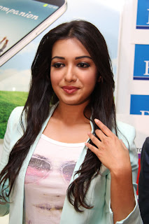 Actress Catherine Tresa Pictures in Skinny Jeans at BIG C Mobile Store Launch 0007.jpg
