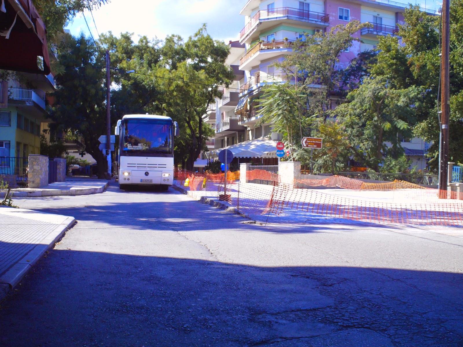 Τουριστικά λεωφορεία προτιμούν άλλους προορισμούς από την Έδεσσα, λόγω των δρόμων που έκλεισαν οι αναπλάσεις ποταμοβραχιόνων