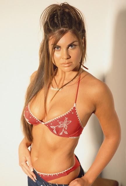 Sexy Women In The Universe: 1-Nadia Bjorlin