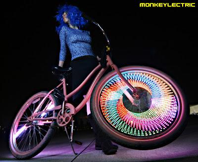 Rueda de la bicicleta usada como pantalla LED