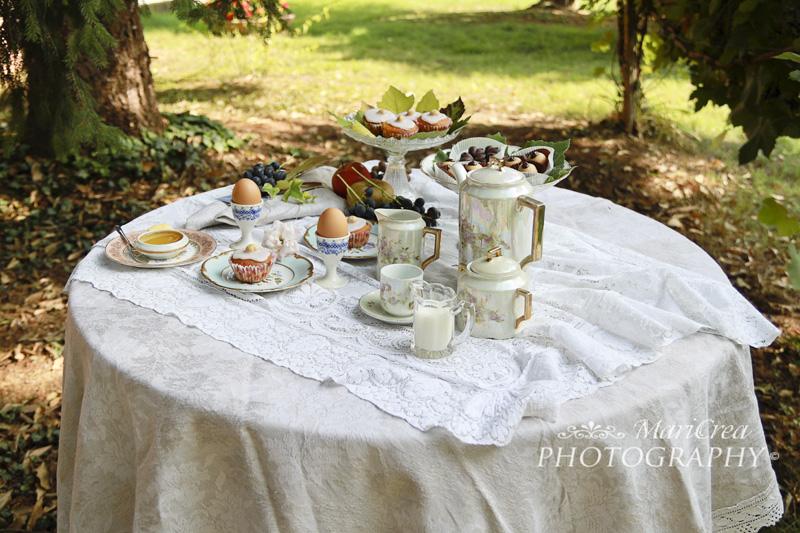romantica colazione nel parco