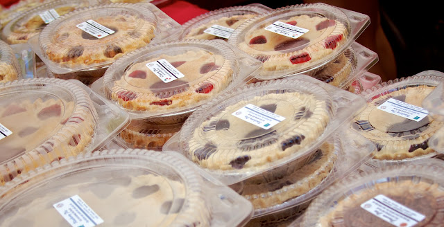 Fresh baked fruit pies. Michigan Farmers Market at the Capitol 2013. Tammy Sue Allen Photography.