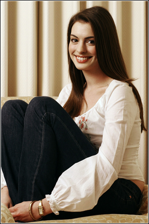 Anne Hathaway 2011 Profile & Images | Celebrities Gossips