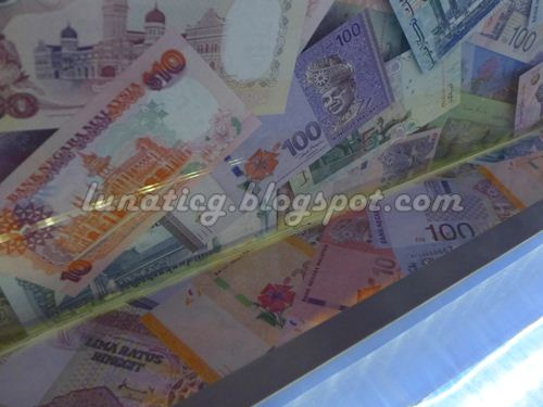 banknote fold