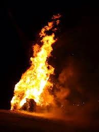 Wanita nekad bakar diri sendiri dengan minyak tanah selepas bertengkar dengan suaminya