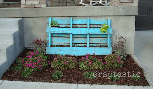 Craptastic pallet planter revealed for Flower beds out of pallets