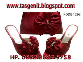 tas pesta merah marun, sandal pesta merah marun, set matching tas dan sandal pesta