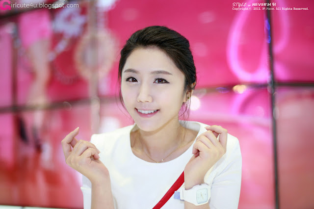 5 Kim Ha Eum - World IT Show 2012-very cute asian girl-girlcute4u.blogspot.com