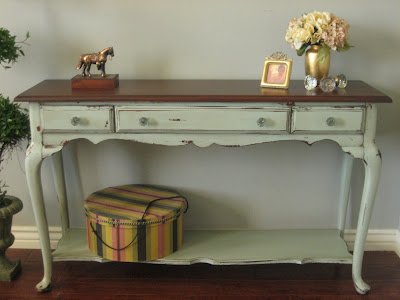 European paint finishes mossy green sofa table for Sofa 400 euro