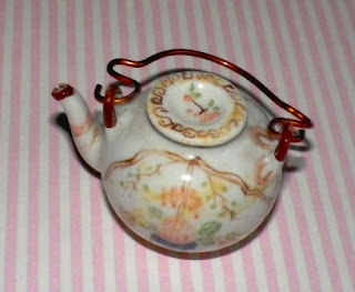 teapot for dollhouse