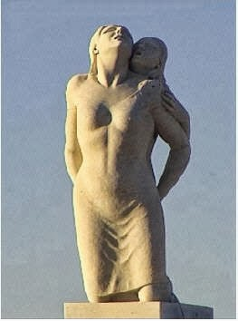 Mamma Ciociara monument Italian women ravaged