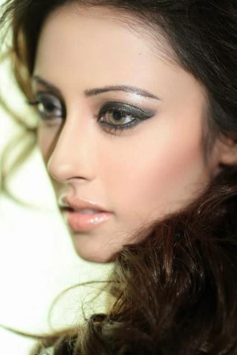 Ainy Jaffri HD Wallpapers Free Download