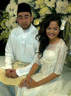 Majlis pertunangan Liyana Jasmay