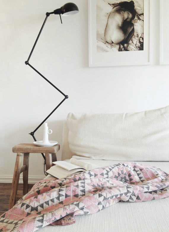 Scandinavian bedroom | Image by Anne Djupvik Andersen via nibHJEMME