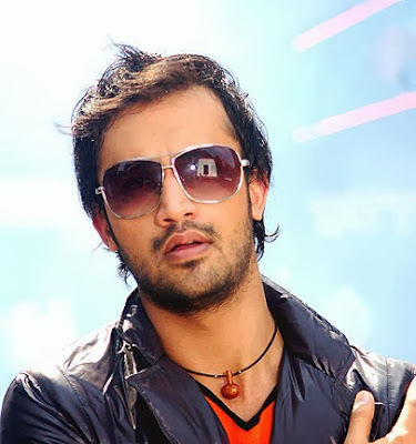 Atif_aslam_with_white_background
