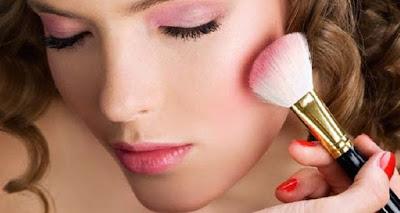 Tips Ampuh Menggunakan Blush – On Sesuai Dengan Bentuk Wajah