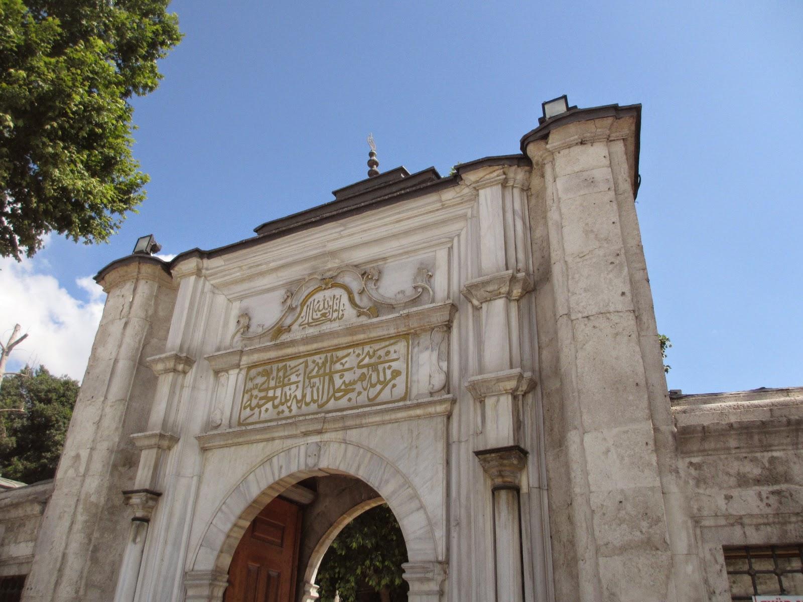 Info Paket Umroh Plus Turki Dubai Terbaik dan Terpercaya