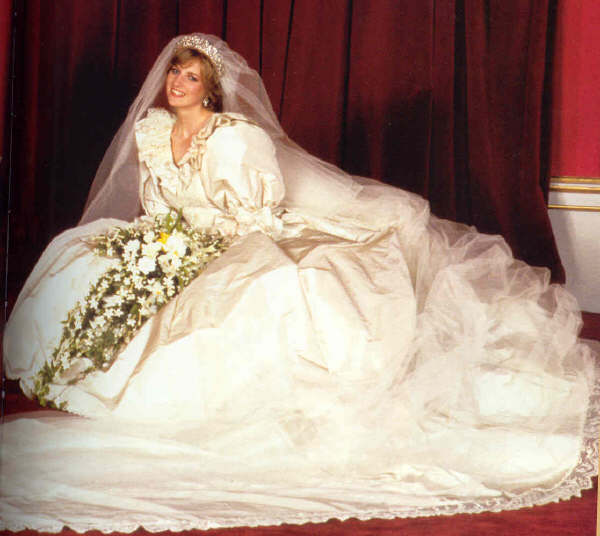 princess diana wedding pictures. princess diana wedding day
