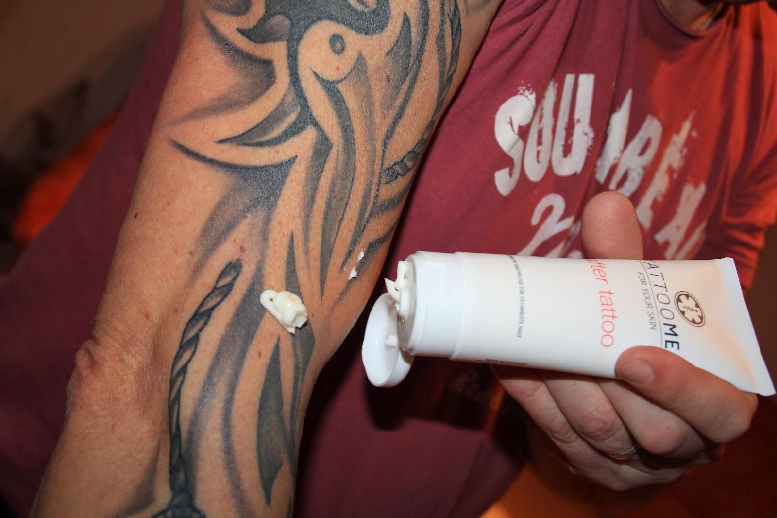 JuCheer testet: TattooMed - Pflege für tätowierte Haut - Tattoo Pflege Bepanthen