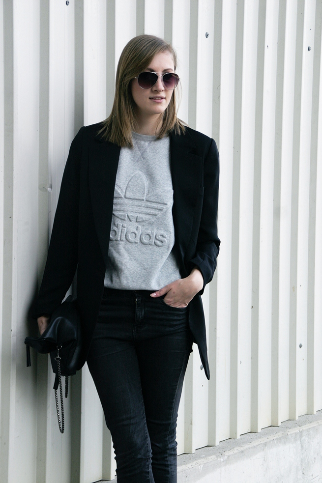 adidas sweater outfit, minimalistic, blogger
