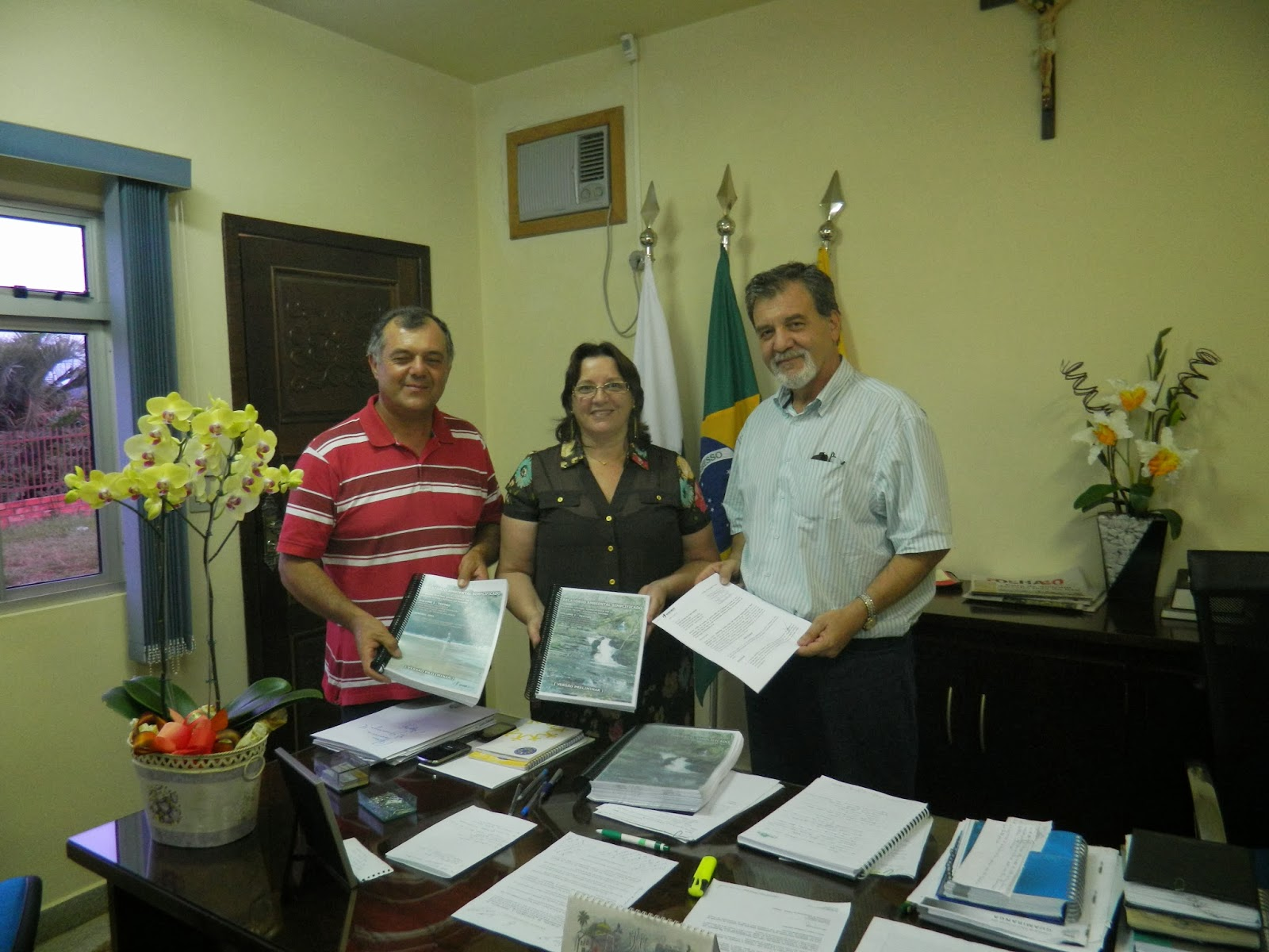 Prefeituras de Guamiranga e Ivaí