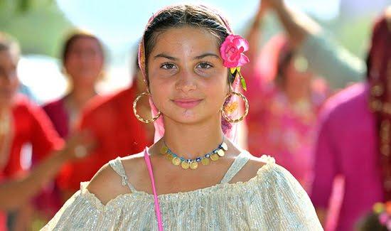 roma%2Bwomen.jpg