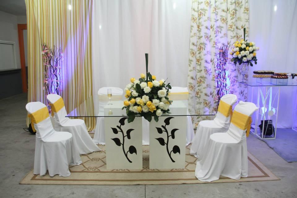 Decoração de mesas e cadeiras