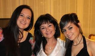 Sara López de los Mozos, Yoli en Los Serrano, Raquel López de los Mozos, hermas y actrices