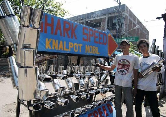 Shark_Speed_Bengkel_Knalpot_Mobil_Barata_Jaya_Surabaya