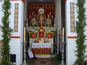 ALTAR PARA RECIBIR AL SANTÍSIMO EL DÍA DEL CORPUS