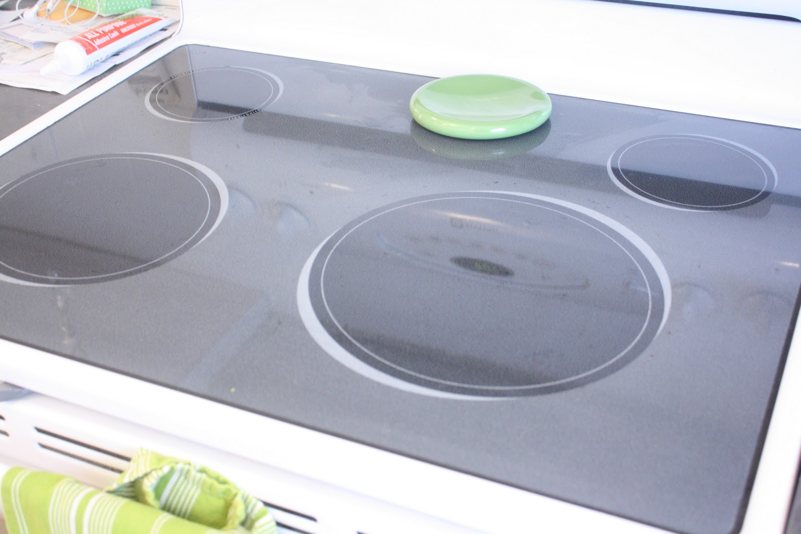 Stovetop and Kitchen Miracle Cleaner