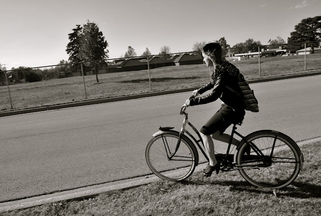 Flashback Summer: Bikes and Blue, 1950s hat and sweater outfit