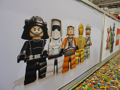 really cool lego minifigures unvailved at uk toy fair 2012. Black Bedroom Furniture Sets. Home Design Ideas
