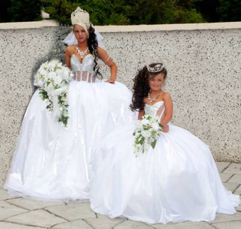 Gypsy wedding dress white romance women and wedding attires for Big gypsy wedding dresses for sale