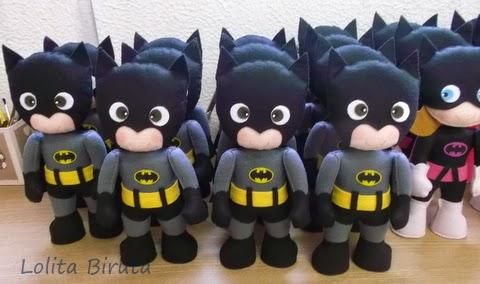 Boneco Batman em feltro com 25 cm de altura