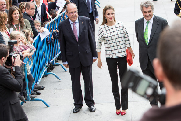 Queen Letizia of Spain attends the Red Cross Fundraising day event (Dia de la Banderita) in Madrid, Spain. 08 October 2014. Spanish Royals Attend Red Cross Fundraising Day (Queen Letizia of Spain)