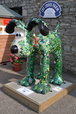 The Secret Garden Gromit (side view)