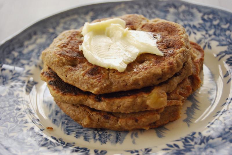 RECIPE - Banana Oat Pancakes (Gluten Free)