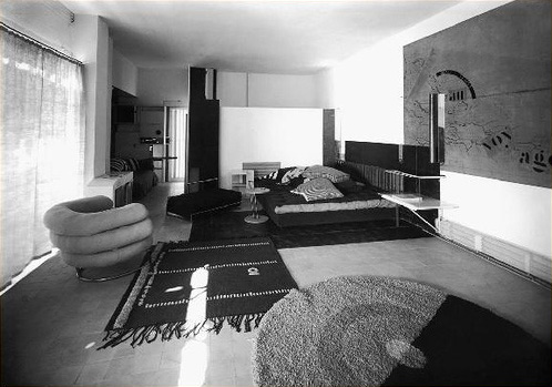tocho t8 mary mcguckian 1965 the price of desire 2013 eileen grey le corbusier. Black Bedroom Furniture Sets. Home Design Ideas