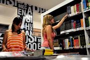 Localizada no Casarão próximo ao Bloco 1, a Biblioteca da Faculdade IBGM .