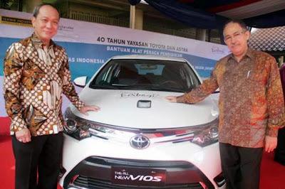 Toyota Donasikan 2 Unit Vios Untuk Universitas Indonesia