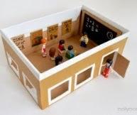 http://manualidadesparaninos.biz/manualidades-con-carton-escuela/